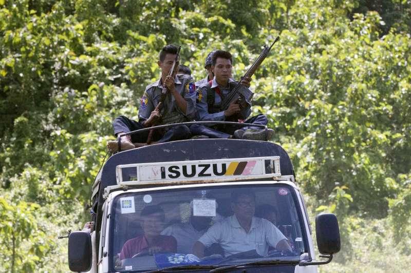 緬甸軍隊加強掃蕩羅興亞地區的武裝分子。(美聯社)
