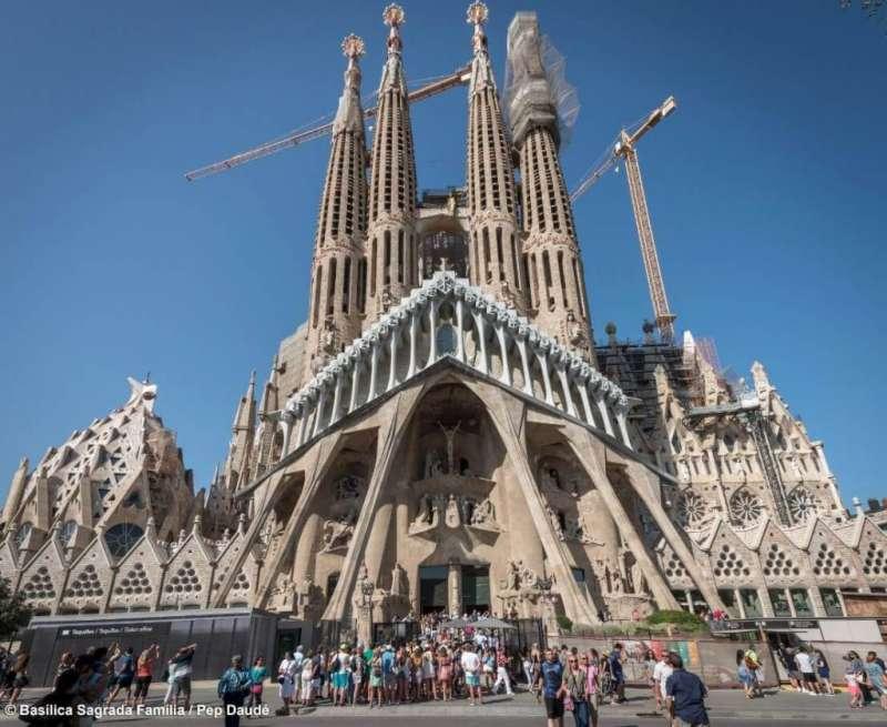 高第建築奇觀 -「聖家堂」。(圖/© Càtedra Gaudí ,瘋設計提供)
