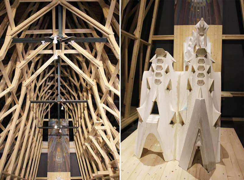 聖家堂中心堂模型結構(左)、聖家堂中心堂屋頂模型(右)。(圖/丁紹原 攝,瘋設計提供)
