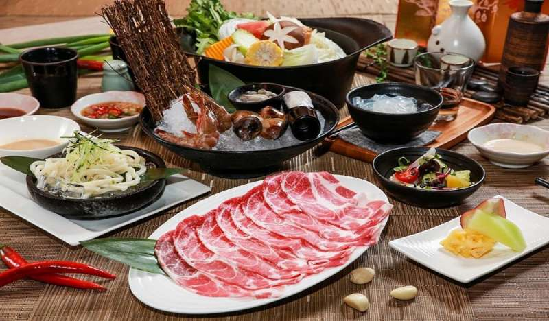 伊比利豬套餐 (圖/HotelsCombined提供)