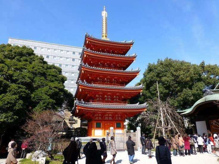 東長寺供奉著全日本最大的木雕坐姿佛像。(圖/hakataboy.com,FunTime提供)