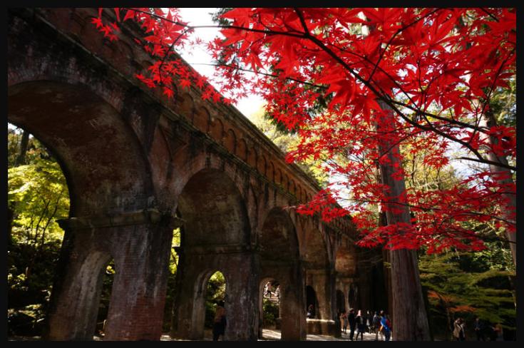 南禪寺與平安神宮相距不遠,在春天櫻花季和秋天楓葉季成為了最不可錯過的京都必去景點。(圖/ Keiko Shih@Flickr,FunTime提供)
