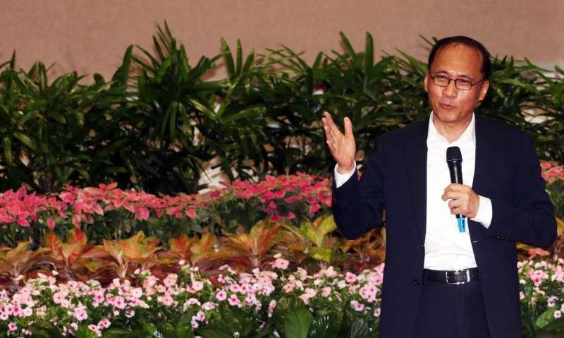 20170907-行政院長林全上午出席行政院惜別茶會。圖為林全在茶會上致詞表示感謝。(蘇仲泓攝)