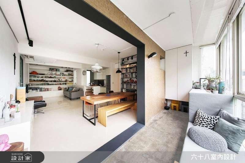 如果戶外風景不錯,考慮玄關設計時,也可以將玄關穿鞋區打造成休憩臥榻區。(圖/設計家Searchome提供)