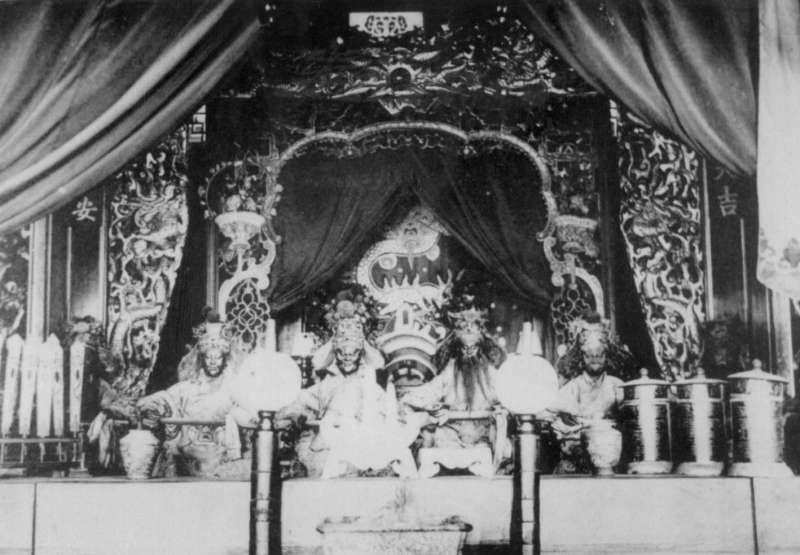 日治時期台南西來庵王爺的神像,也就是五瘟神。(圖/康豹提供)