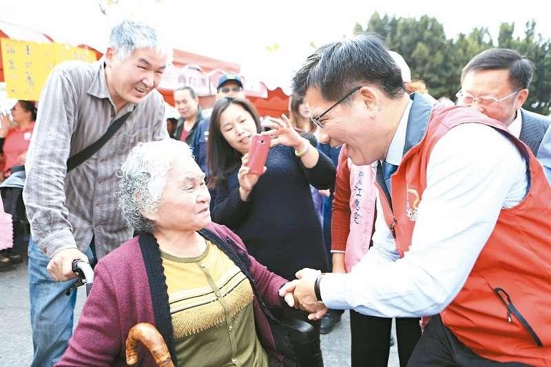 台中市長林佳龍宣布老人健保費補助採取「排富條款」,正反意見不一。(圖片取自台中市政府)