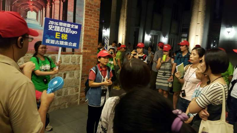 夜遊古蹟讓民眾體驗台大博物館夜間之美及不同風貌,加深對台大校園和博物館群歷史的認識。(資料照,台北市政府提供)