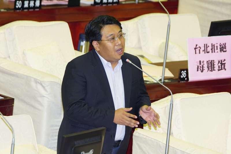 20170919-市議員黃向群質詢。(盧逸峰攝)