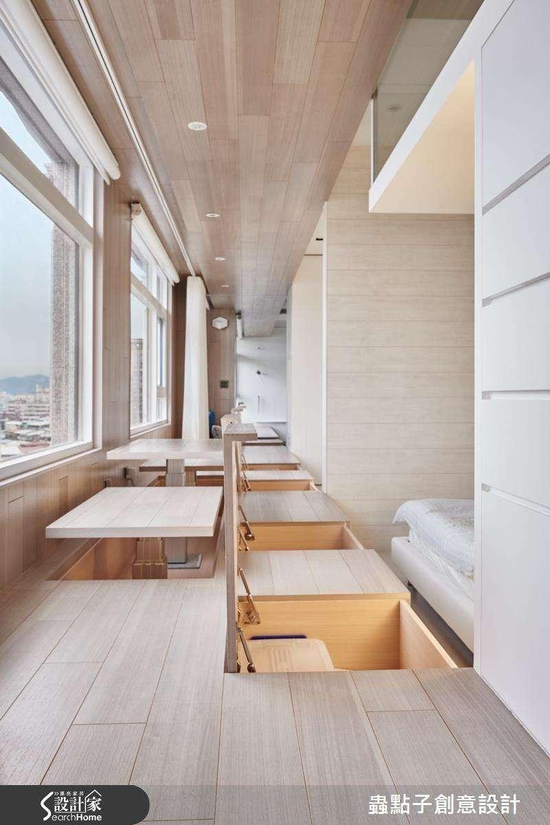 臥榻最高寬度可達 100 公分,除了上掀設計更能安排和室桌,兼具完整的休憩需求(圖/設計家Searchome提供)