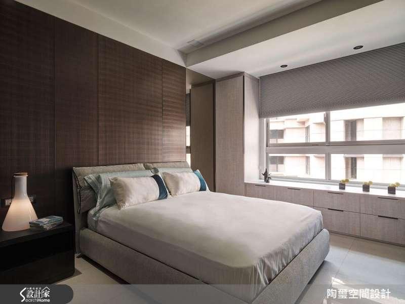 窗台高度可控制在 90~120 公分,頂端也能提供置物機能。(圖/設計家Searchome提供)