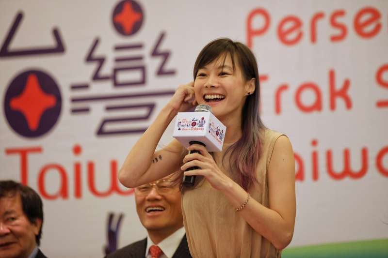 2017-09-21-中華文化總會「藝術卡車秀台灣」計畫,首站選擇馬來西亞。圖為鄭宜農。(中華文化總會提供)