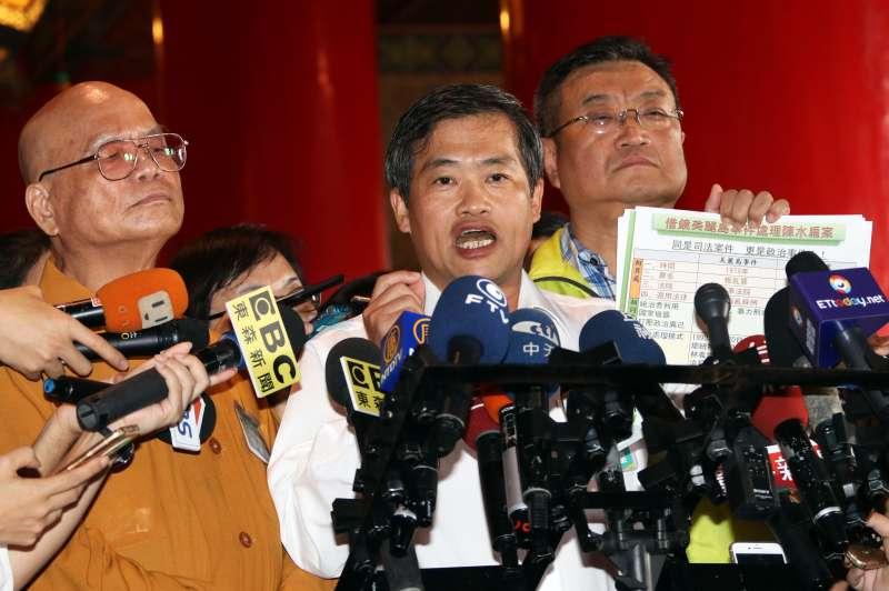 2017-09-24-民進黨全代會,高雄市長議員蕭永達、鄭新助。(蘇仲泓攝)