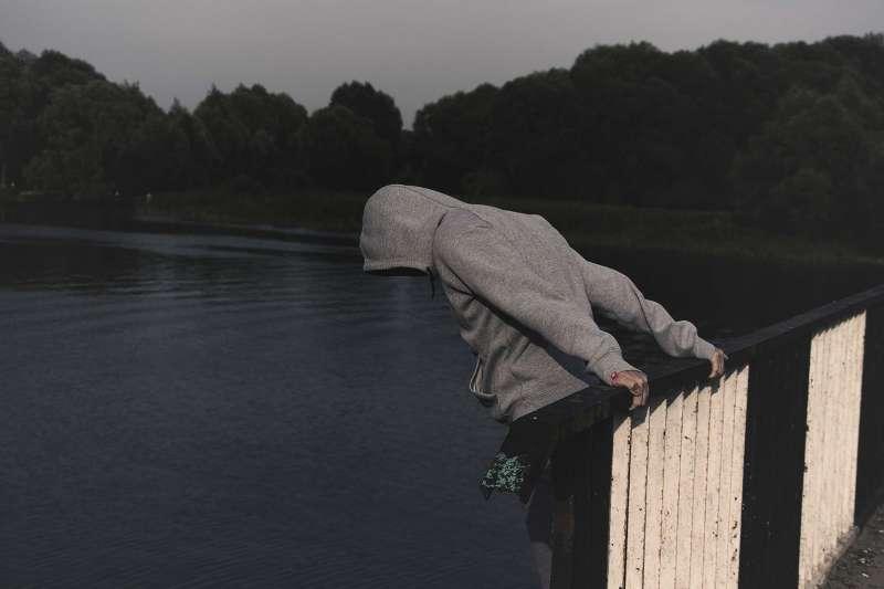 青少年自殺。(圖/取自Pixabay)