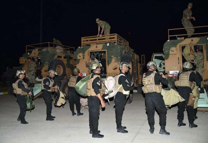 伊拉克與土耳其在庫德族自治區邊境聯合軍演,嚇阻庫德族獨立公投。(美聯社)