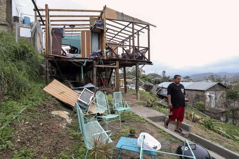 波多黎各遭到颶風重創,許多住宅嚴重受損。(美聯社)