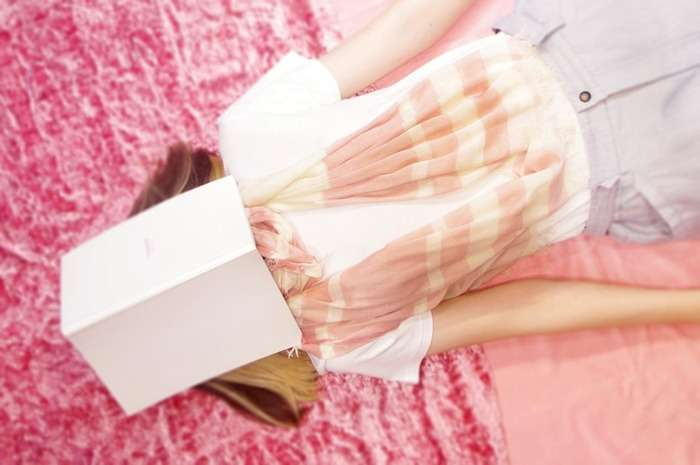 來試試 Pinkoi 上的膠原蛋白絲巾!(圖/ Pinkoi )