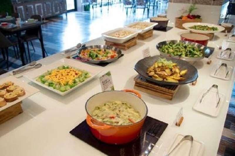 強調非素食的陶然左岸,提供蛋奶素、五辛素等餐點,用最自然新鮮的方式呈現食材的本質。(圖/陶然左岸健康蔬食)