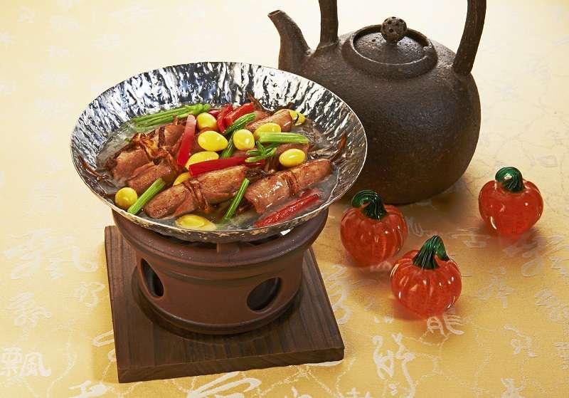 隨著消費者飲食習慣的改變,長春素食也提供婚宴酒席、便當訂製等客製化服務。(圖/ 長春素食)