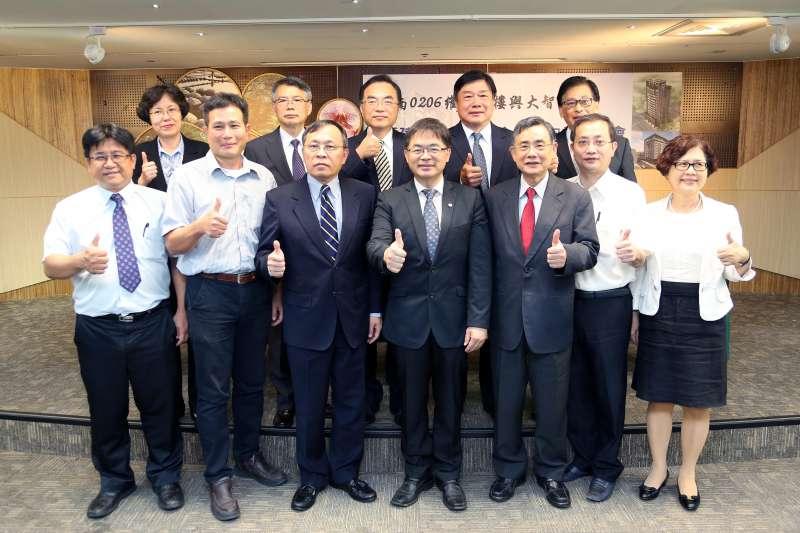 0206震災維冠、大智大樓重建都更案簽署合作意向書記者會。(圖/台南市府新聞及國際關係處提供)