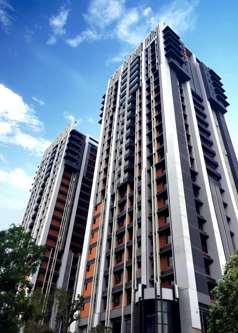 【長虹陶都】外觀實景,是鶯歌地區最高的地標型住宅建築(圖/新零售時代提供)
