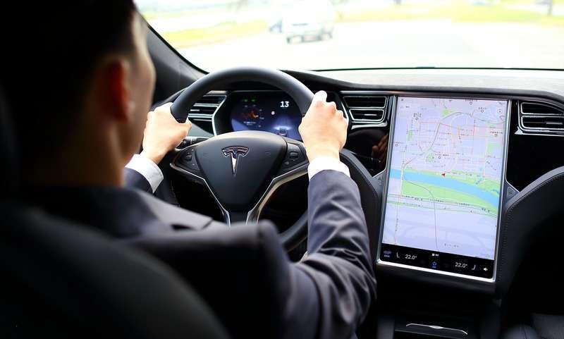 車隊成立後,將成為世界上首支搭載街道空污監測系統的豪華電動車隊。(圖/ 取自0Taxi集資專頁)