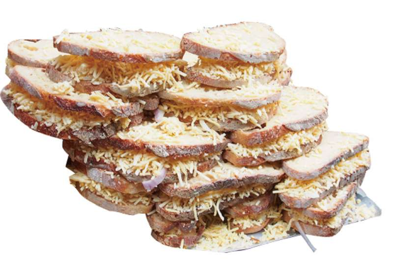 倫敦正夯熱熔起司三明治。(圖/麥田出版提供)