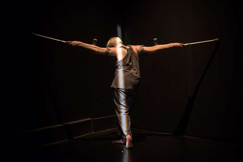 考驗肉身,撞擊信仰!克萊兒.康寧漢《給我一個活下去的理由》展現不可思議的美麗與驚人力量。
