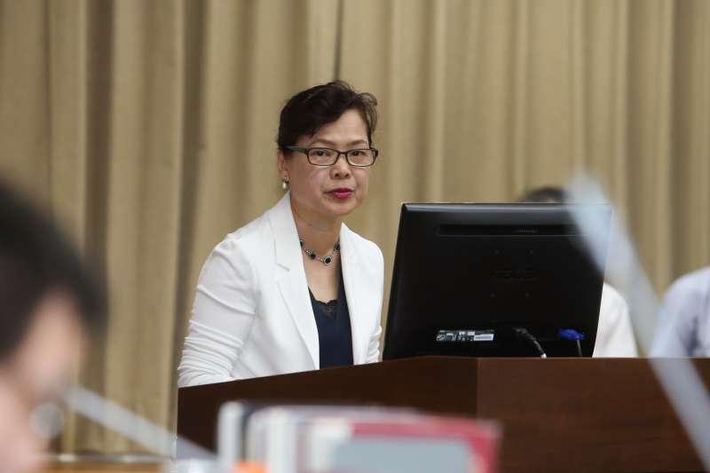 2017-10-05-經濟部副部長王美花赴立法院財政委員會備詢。(陳明仁攝)