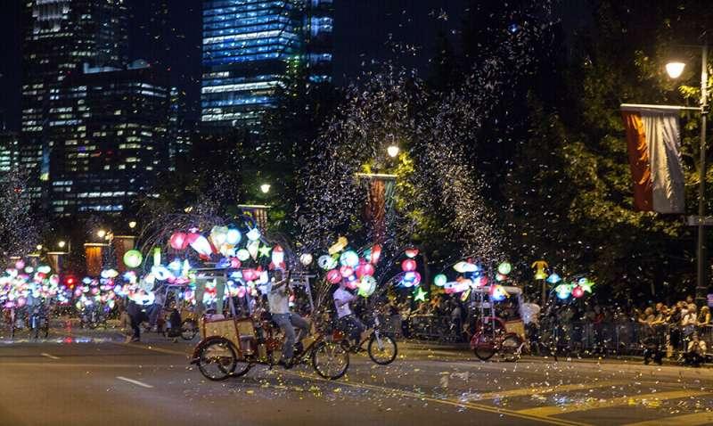(圖/© Cai Guo-Qiang: Fireflies)