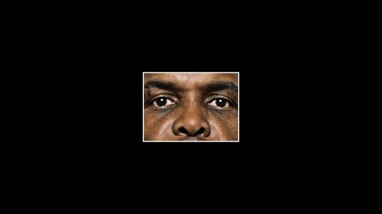 你對於這張臉的形容詞是什麼呢?通常第一個想到的形容詞就代表了你對於這個種族的看法和偏好。(《你有種族歧視嗎》影片截圖)