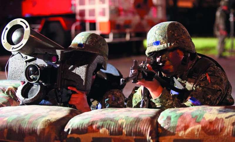 軍方評估,若無外援,國軍防禦共軍攻台約可支撐10天。(新新聞資料照)