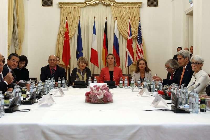 2015年,歷經超過20個月的努力,美、俄、中、英、法、德6強終於跟伊朗達成核協議(AP)