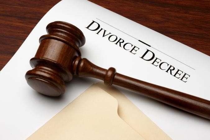 離婚雙方喬不攏,只能訴諸法律途徑來保護自己的權益(圖/lovetoknow.com)