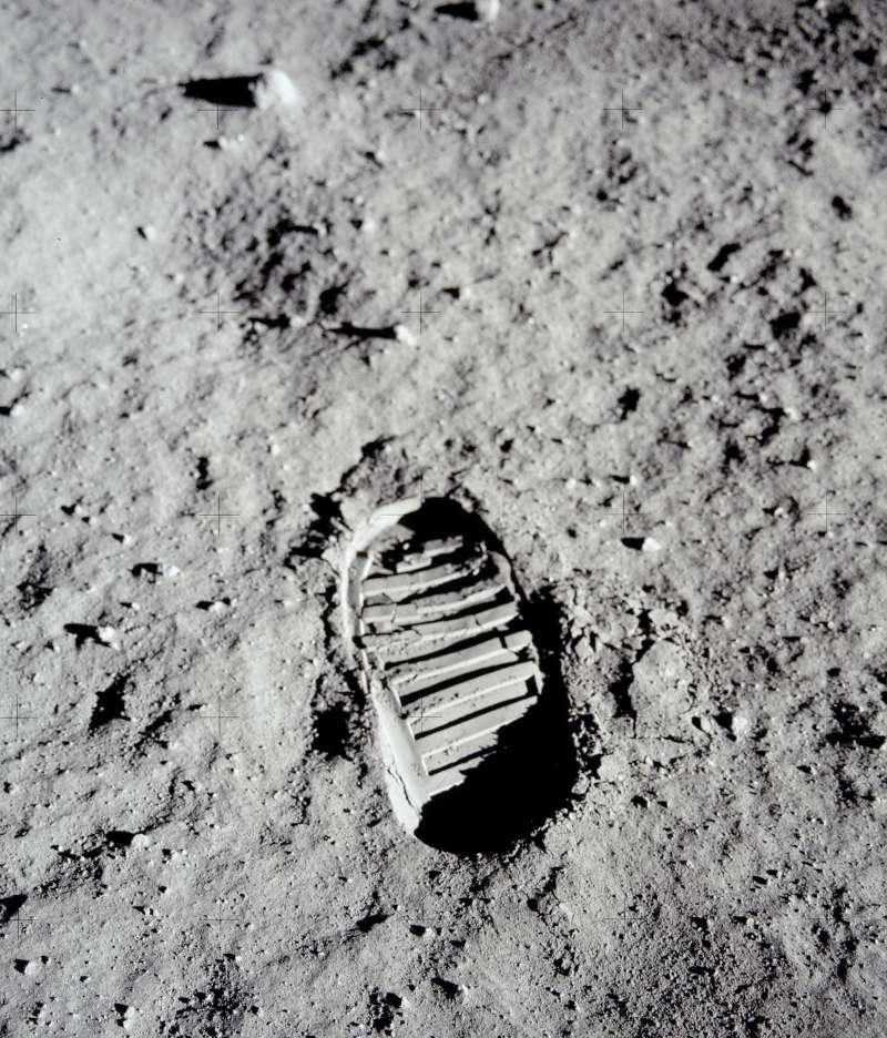 人類史上第2月登陸月球的太空人艾德林(Buzz Aldrin)留下的腳印(AP)