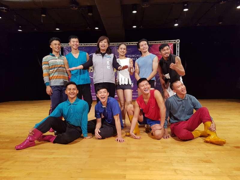 「2017風中舞影」系列活動將走進國小校園及竹科企業,讓學子及民眾感受職業舞者現場演出的爆發力。(圖/方詠騰攝)