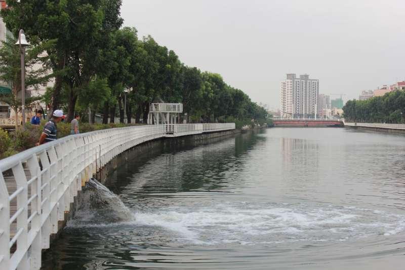 前鎮區鎮昌設置簡易式抽水站。(圖/高雄市水利局提供)