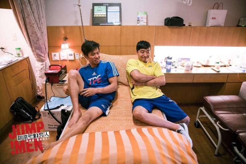 接下來的日子,黃克強會成為李智凱的奧運陪練員,協助他取得好成績。(圖/《翻滾吧!男人》粉絲專頁)