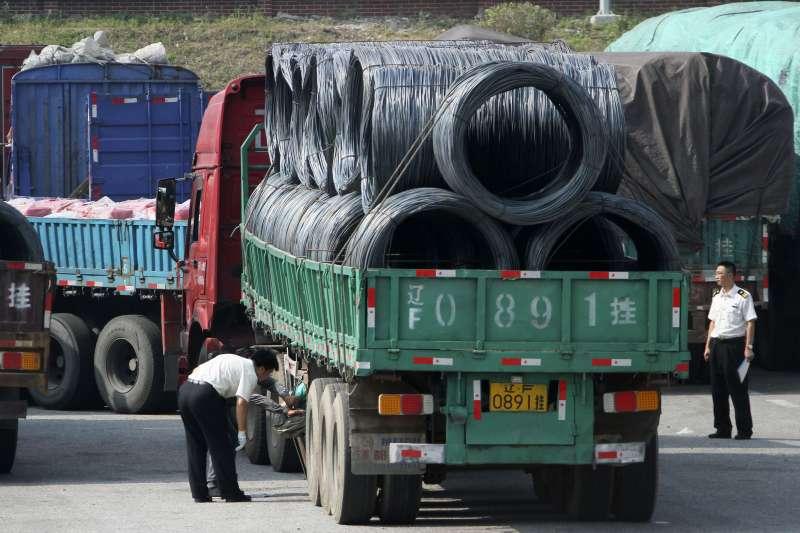 中國配合聯合國安理會制裁,減少對北韓進出口貿易量。(美聯社)