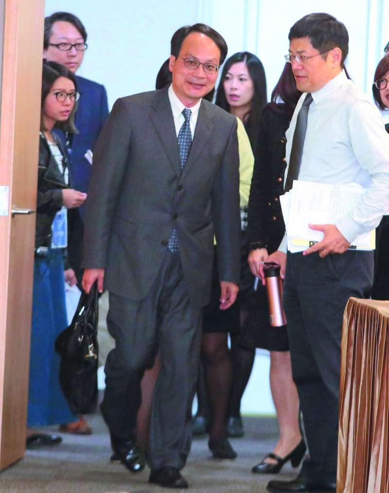 林峰正(中)的第一場黨產聽證會針對救國團問題。(柯承惠攝)