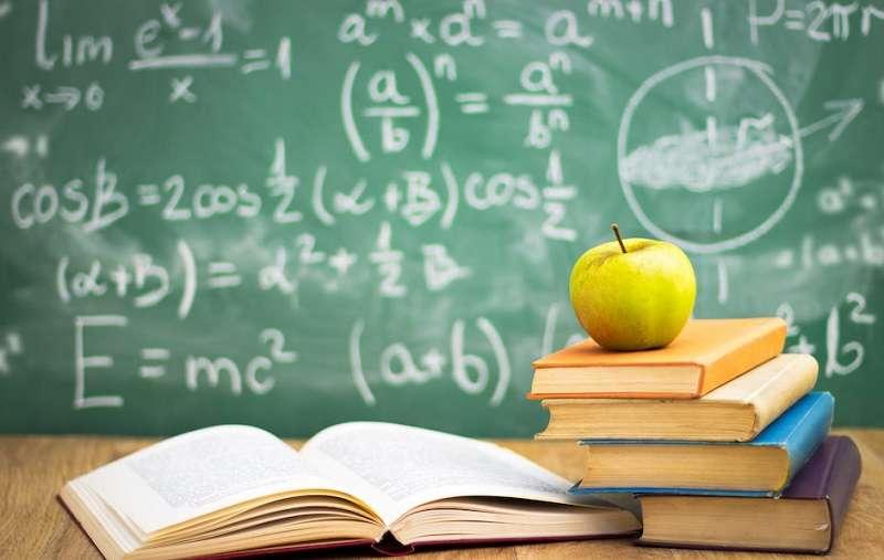 經典教育,就是透過與歷史上偉大的心靈進行對話。(Photo Credit: Cherries /Shutterstock.com)
