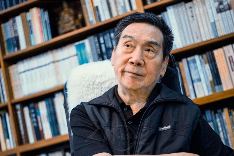 2017第七屆全球華文文學星雲獎貢獻獎由文學大師尉天驄拿下。(人間通訊社提供)