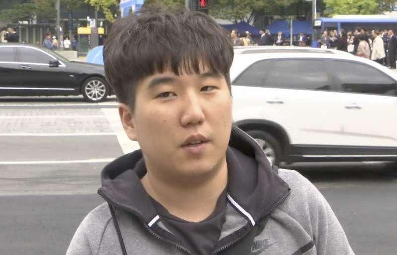 南韓受訪者玉炫雄(音)。(美聯社)