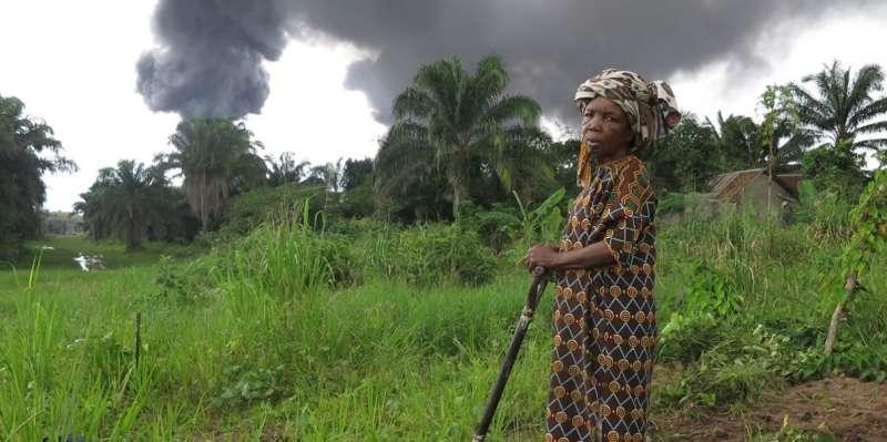 尼日河三角洲地區油汙染嚴重,耕地漁場遭受重創。(圖截自國際特赦組織網站)