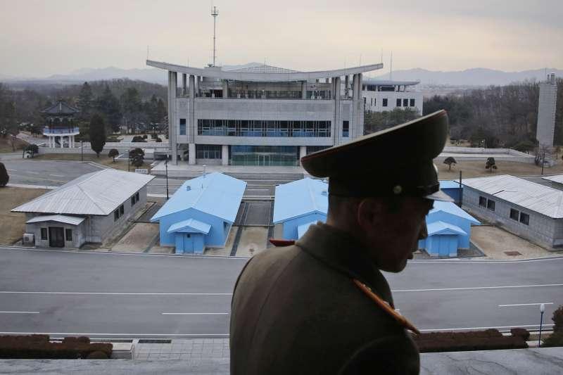 川普出訪南韓,原本欲訪問兩韓非軍事區,卻因大霧取消。(美聯社)