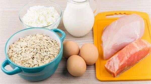 平日適量地補充色胺酸食物,有助提升睡眠品質,預防隱性失眠的發生。(取自華人健康網)