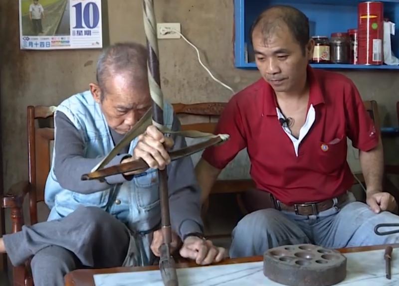 接下傳承棒子的黃國樑,決心延續即將失傳的手工冰杓製作技藝。