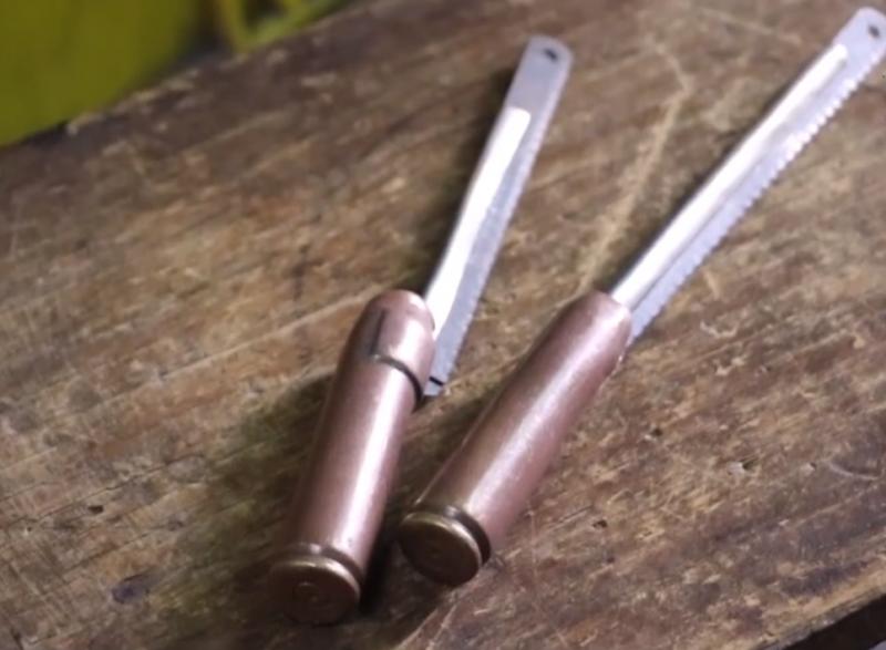 黃有信勤儉節省,東西用幾十年都捨不得換,就連子彈也能改造成冰杓製作工具!