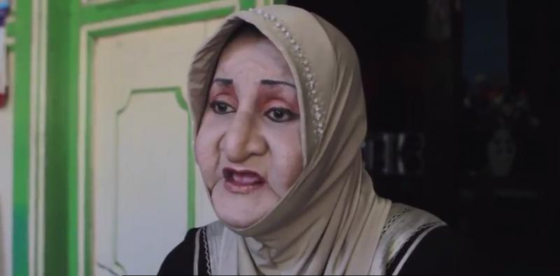 印尼跨性別者辛塔創立全球第一間供跨性別者就讀的伊斯蘭學校(截自YouTube)