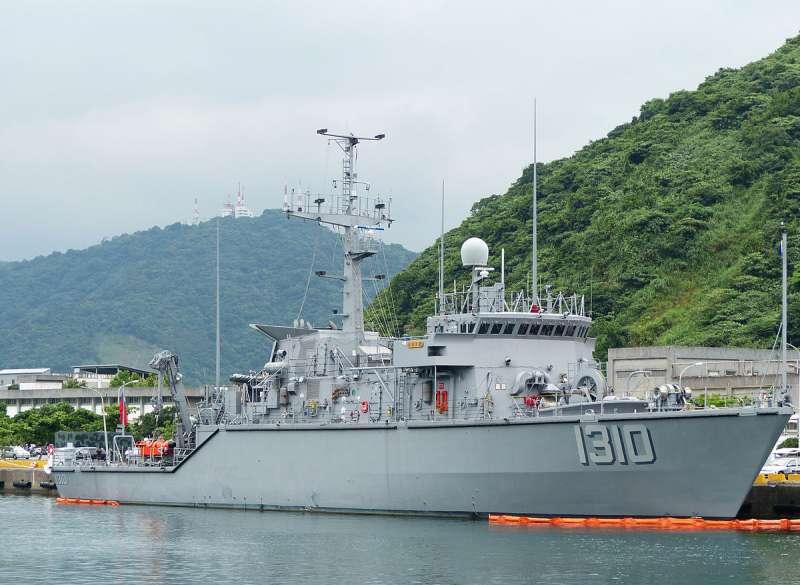 台灣海軍在2010年向美國購買除役的鶚級獵雷艦,2012年10月底正式返國成軍,被命名為永靖級獵雷艦。(取自維基百科)