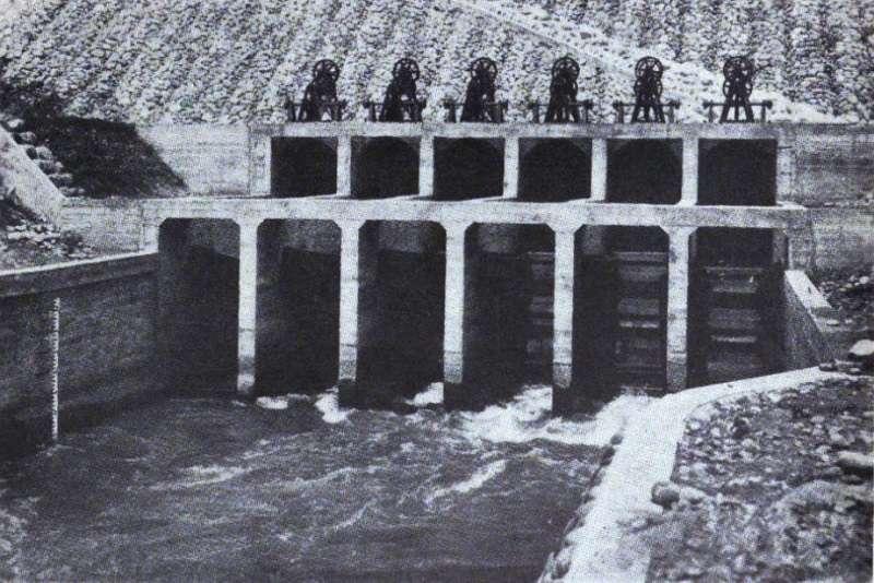 日治時期嘉南大圳林內制水門。(維基百科)